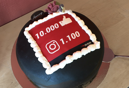 10000 likes & 1100 followers!